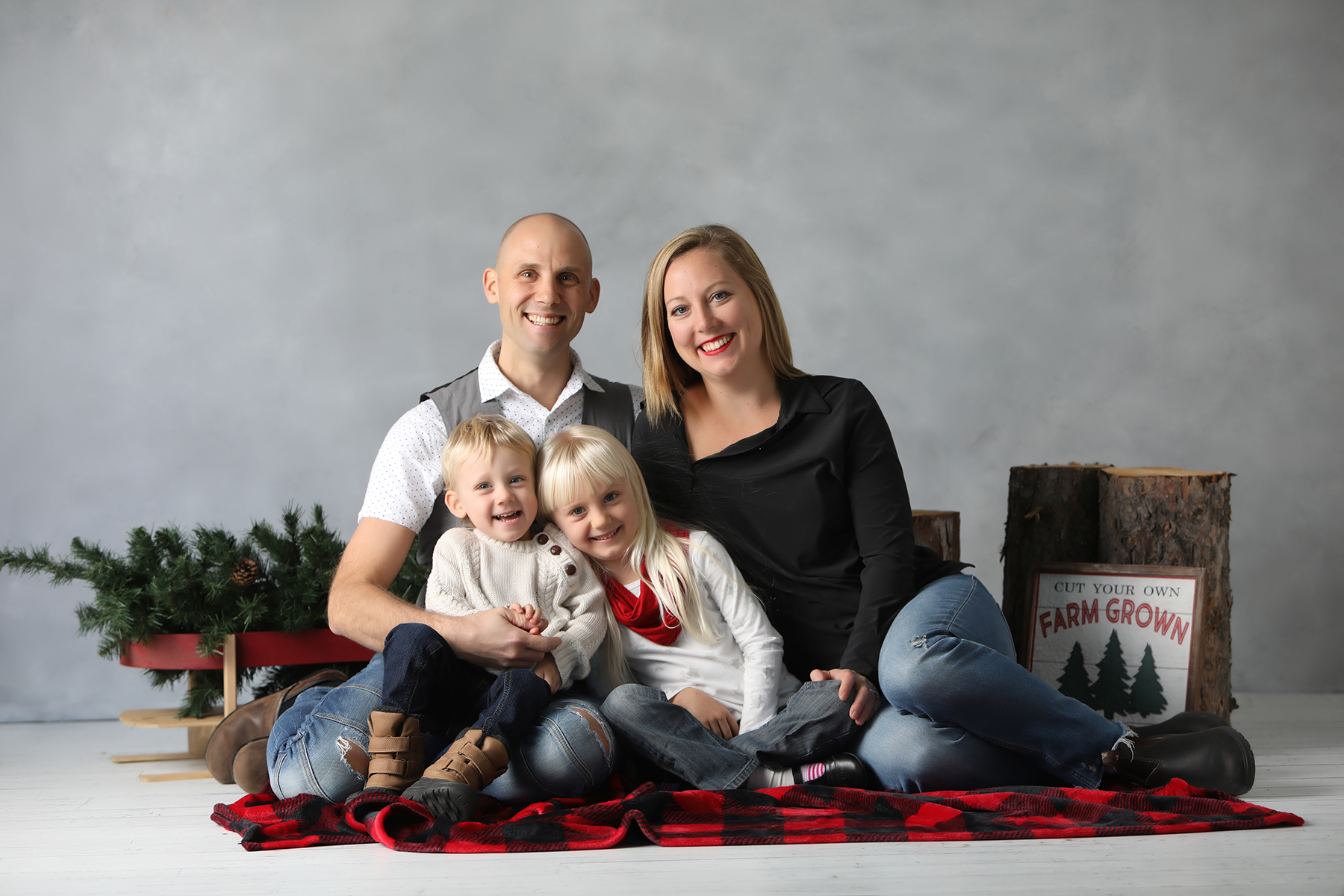 Christmas family photo mini session studio